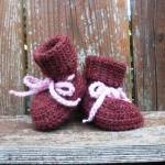 Newborn Crochet Hat and Booties set..