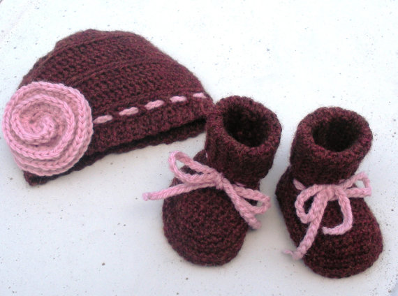Newborn Crochet Hat and Booties set, infant girls, ready to ship.