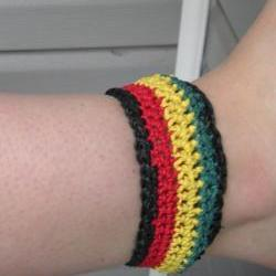 Crocheted hemp anklet - bracelet with tie closure in traditional Rasta colors, ready to ship.